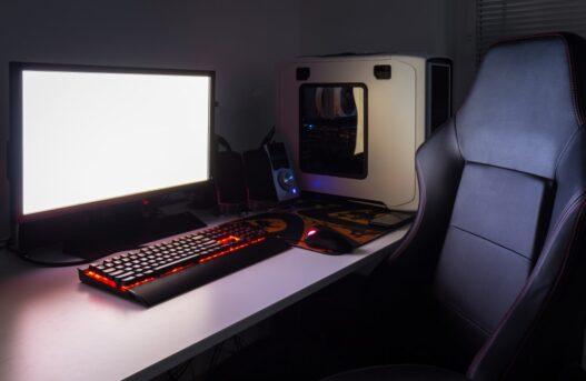 Computer på gaming bord
